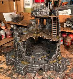 Koyote in Mordheim Halloween Train, Halloween Village, Halloween Cards, Miniature Crafts, Miniature Houses, Dnd Mini, Girls Dollhouse, Warhammer Terrain, Wargaming Terrain
