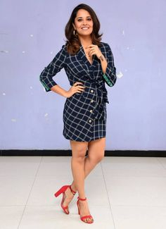 TV Anchor Anasuya Bharadwaj Hot Long Cross Legs Thighs Indian TV Actress Photograph देखिए, ईशा अंबानी की शादी की सारी फोटो #EDUCRATSWEB Talented India Entertainment 2018-12-12
