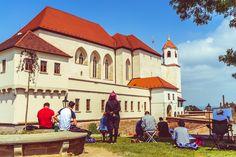 Artists paint Špilberk Castle in Brno, Czech Republic – Ben Finch Amazing Buildings, Czech Republic, Wander, Castle, Artists, Mansions, House Styles, Painting, Artist