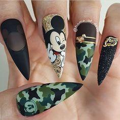 Cartoon Nail Designs, Disney Nail Designs, Cute Acrylic Nail Designs, Camo Nail Designs, Disney Acrylic Nails, Acrylic Nails Coffin Pink, Disney Nails, Pastel Nails, Mickey Mouse Nail Art