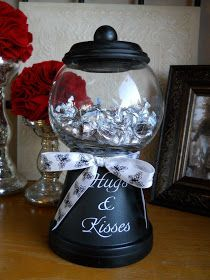 Terra Cotta Pots + Glass Bowl From The Dollar Store + Spray Paint + A Cute Bow! What A Great Gift To Make (homemade valentine gifts gumball machine) Cute Crafts, Crafts To Make, Diy Crafts, Garden Crafts, Dollar Store Crafts, Dollar Stores, Bubble Gum Machine, Clay Pot Crafts, Diy Clay