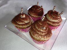 Diy Food, Cupcakes, Desserts, Cupcake Recipes, Dessert Ideas, Tailgate Desserts, Cupcake Cakes, Deserts, Postres