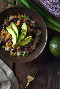 veganfoody:  Chickpea Scramble and Red Cabbage Brown Rice...