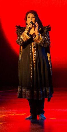 Kate Bush for Stylewatch. Her first live concert for 35 years, and she's looking as fabulous and individualistic as ever!