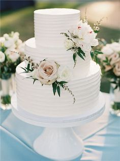 35 Chic and Elegant #WeddingCake Ideas We are Obsessed with