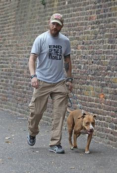 (THAS-Tom Hardy Argentina Station) Tom and his dog Cass
