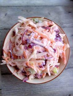 ...pyszny przepis na coleslaw. Kto powiedział, że coleslaw ... surówka z kapusty można tylko robić z białej kapusty...coleslaw z białej i modrej kapusty Salad Recipes For Dinner, Dinner Salads, Healthy Salads, Healthy Recipes, Appetizer Salads, Polish Recipes, Coleslaw, Mexican Food Recipes, Good Food