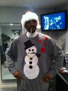 """rappersarefunny:  """"I was so high this morning I woke up and there were santas everwhere. My first instinct was to offer santa some weed. But than I was like wait a minute, why offer santa some weed when I can just wear this hat and offer it to myself.""""-Snoop on Santacon  Join us, Snoop!"""