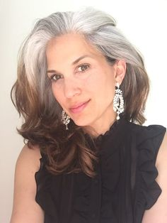 The Best Gray Hair Ideas In 2019 10 - grey hair - Cheveux Gray Hair Growing Out, Grow Hair, Grey Hair Don't Care, Curly Gray Hair, Long Gray Hair, Grey Wig, Transition To Gray Hair, Silver Grey Hair, Hair Trends