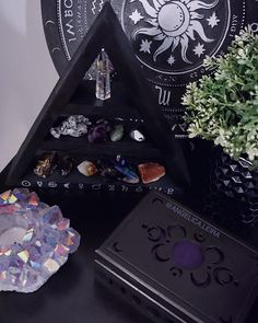 Crystals, occult, witchy