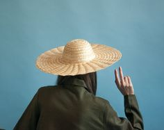 rippled straw hat / wide brimmed hat / beach by persephonevintage