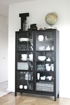 Möbler att måla IKEA  another curio cabinet i cant stop thinking about.  perhaps i need to snag one myself