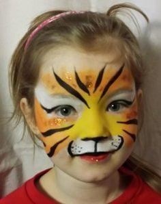 In dit eenvoudige Schmink Voorbeeld laten we je zien hoe je in een paar minuten een mooie tijger kan schminken met behulp van spons en penseel.