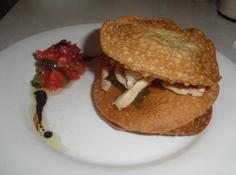 """""""Ostras campestres"""". Por Rosa Llatje, de Tortosa. Elaborado con masa de empanadilla, lomo de cerdo, pimiento verde, pimiento rojo, berenjena,  cebolla, tomate, aceite, sal y pimienta"""