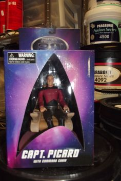 Star Trek The Next Generation CAPTAIN PICARD w/ COMMAND CHAIR NEW NEVER OPENED