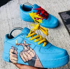 Glam Damenschuhe, die so stilvoll sind, dass Sie Wow sagen! – Seite 3 – Style O Check – Haze Olelee – Join the world of pin Nike Air Force One, Nike Shoes Air Force, Custom Sneakers, Custom Shoes, Vans Shoes, Shoes Sneakers, Mcqueen Sneakers, Hype Shoes, Fresh Shoes