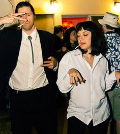 Vincent Vega and Mia Wallace from Pulp Fiction costume 90s Halloween Costumes, Halloween 2016, Best 90s Costumes, Holloween Costumes For Couples, Simple Couples Costumes, Couple Costume Ideas, Movie Couples Costumes, Halloween Season, Awesome Couple Costumes