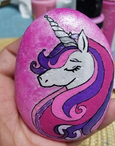 Easy paint rock for try at home (stone art & rock painting ideas Rock Painting Ideas Easy, Rock Painting Designs, Paint Designs, Pebble Painting, Pebble Art, Stone Painting, Stone Crafts, Rock Crafts, Unicorn Painting