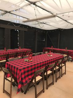 48 Ideas Camping Party Table Baby Shower - Decoration Home Camping Parties, Camping Theme, Camping Ideas, Baby Shower Winter, Baby Boy Shower, Lumberjack Birthday Party, Bonfire Birthday, Shower Bebe, Baby Boy 1st Birthday