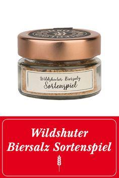 """Das Wildshuter Biersalz ist eine raffinierte Zutat zum Würzen von Speisen. Es vereint die edlen Inhaltsstoffe des Wildshuter """"Sortenspiels"""" mit dem wertvollen Quellsalz aus Portugal. Mit ihm gibst du deiner Brotzeit oder z.B. Steaks das letzte Finish und bringst es aromatisch """"auf höchste Stufe"""". #prost #mahlzeit  Wildshut   Stieglgut   Bier   Salzburg   Beer   Salz   Würzen   Gewürze   Salzen   Essen   Österreich   Stiegl   Kochen   Geschenksidee   Steak   Fleisch Image Film, Salzburg, Baking Ingredients, Cookie Dough, Portugal, Shops, Steaks, Food, Environment"""