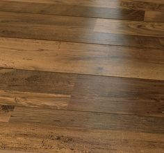 #Laminatgolv #Tarkett Vintage Bourbon Oak #Ek, 1-stav (#provbit) Floating Floor, Hardwood Floors, Flooring, Bourbon, New Homes, Interior Design, Vintage, House Ideas, Home Decor
