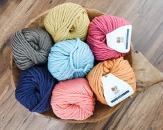 Crochet Chunky Blanket - Free Pattern - MJ's off the Hook Designs Chunky Crochet Blanket Pattern Free, Chunky Blanket, Easy Crochet, Free Crochet, Crochet Blankets, Crochet Stitches, Crochet Patterns, Crochet Ideas, Half Double Crochet