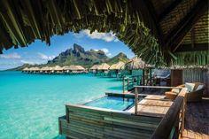Abgeschiedenheit pur findet er im eleganten Four Seasons Hotel auf dem Südsee-Atoll Bora Bora. - Ratcliff, Trey