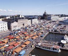 Helsingin kauppatori, Helsinki Market Place photo Comma Image Oy