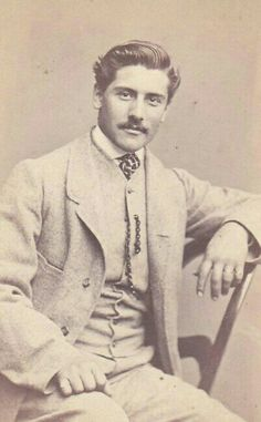 Cabinet Card Photo of Handsome Man Victorian Gentleman, Vintage Gentleman, Victorian Men, Mode Vintage, Vintage Men, Vintage Pictures, Vintage Images, Photos Originales, Old Photography
