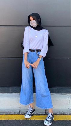 Modern Hijab Fashion, Hijab Fashion Inspiration, Korean Outfits, Trendy Outfits, Fashion Outfits, Hijab Style Tutorial, Hijab Jeans, Ootd Hijab, Casual Hijab Outfit