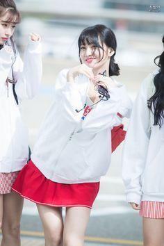 Nayeon, South Korean Girls, Korean Girl Groups, Sana Momo, Hirai Momo, Dahyun, Korean Music, Airport Style, Beautiful Asian Girls