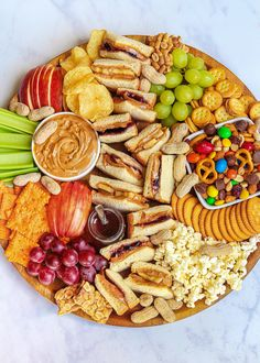 Charcuterie Recipes, Charcuterie And Cheese Board, Meat Cheese Platters, Charcuterie Platter, Cheese Boards, Appetizer Recipes, Snack Recipes, Appetizers, Dinner Party Recipes