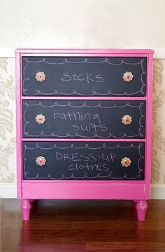 DIY Teen Room Decor Ideas for Girls | DIY Chalkboard Dresser Drawers | Cool Bedroom Decor, Wall Art & Signs, Crafts, Bedding, Fun Do It Yourself Projects and Room Ideas for Small Spaces http://diyprojectsforteens.com/diy-teen-bedroom-ideas-girls #BeddingIdeasForTeenGirls #smallroomdecor #teengirlbedroomideassmall