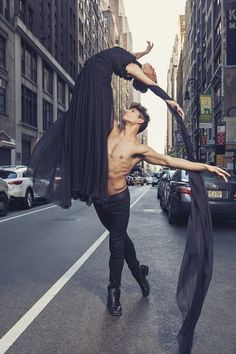 Alexander Fost #blackswan #dancers #ballerina