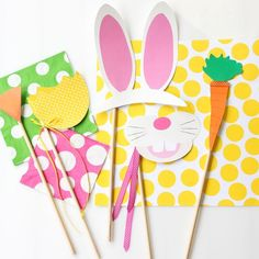 Easter Photo Printables - Free photo booth printables!