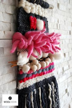 Bull - Toro - Hand woven wall hanging // weaving // telar decorativo made by…