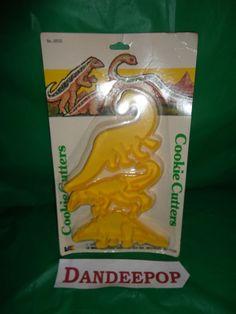 Vintage New in package Dinosaur Cookie Cutters Set 1987 LK Mfg. plastic find me at www.dandeepop.com