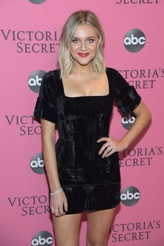 Kelsea Ballerini at 2018 Victoria's Secret Fashion Show in New York Ci – Kai Linz Victoria Secret Fashion Show, Victorias Secret Models, Kelsea Ballerini, Vs Fashion Shows, Fashion Tips, Celebrity Updates, Celebrity Style, Angeles, Female Singers