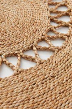 Jute Mats, Jute Rug, Rope Crafts, Yarn Crafts, H&m Home, Braided Rugs, H&m Gifts, Boho Living Room, Bedroom Vintage