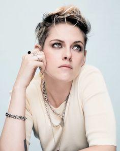 """dailykristen: """"""""Kristen Stewart for """" """" Kristen Stewart Hair, Kristen Stewart Movies, Kirsten Stewart, Lgbt, Pixie, Naomi Scott, My Hairstyle, Hollywood Actor, Gold Hair"""