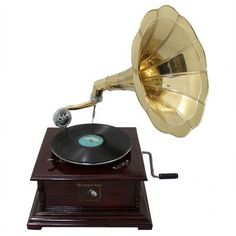 Urban Designs Decorative Antique Replica RCA Victor Phonograph Gramophone with Horn Color: Gold Brass