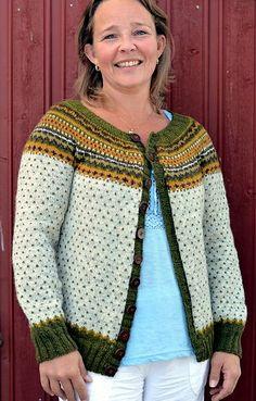 Ravelry: Damejakka Loppa / Flea – a lady's cardigan pattern by Pinneguri