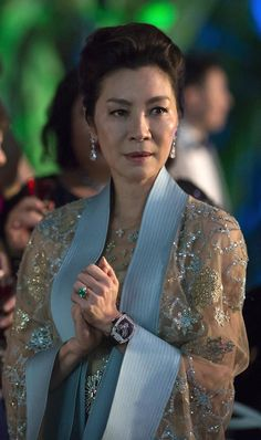 My Cô Nga Michelle Yeoh wearing her own emerald and diamond engagement ring with diamond earrings and a Richard Mille watch in 'Crazy Rich Asians. Michelle Yeoh, Ring Verlobung, Bridal Sets, Rose Gold Engagement Ring, Celebrity Engagement Rings, Asian Fashion, Good Movies, Valentino, Actresses