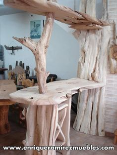 Driftwood Furniture: Practical Projects for Your Home and Garden - Driftwood 4 Us Italian Bedroom Furniture, Rustic Log Furniture, Driftwood Furniture, Pallet Furniture, New Furniture, Furniture Projects, Furniture Design, Driftwood Bar, Cabin Furniture