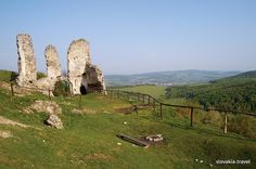 Fans of history will perhaps like to ascend to the ruins of the Brekov Castle in eastern Slovakia rising above the town Humenné on top of the andesite rock with a nice view of the environs, including the towns of Humenné and Strážske. Great Places To Travel, Heart Of Europe, Danube River, Castle Ruins, European Countries, Czech Republic, Nice View, Prague, Monument Valley