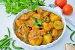 Try this fragrant Mauritian chicken curry with potatoes. It's served with a spiced tomato side dish along with fluffy basmati rice and rotis Tomato Side Dishes, Mauritian Food, Bbc Good Food Recipes, Curry Leaves, Chicken Curry, Curry Powder, Curry Recipes, Mauritius, Sweet Potato