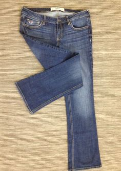 0b832321e51 HOLLISTER SIZE 9 LOW SLIM BOOT CUT DISTRESS WOMENS STRETCH JEANS 33X31 EUC!  T68