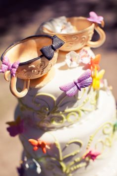 Alice in wonderland themed wedding. Photography : http://adamtrujillo.com/