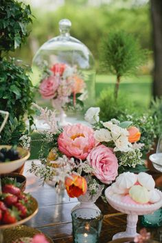 Tea Party Wedding Ideas | photography by http://www.kristynhogan.com/