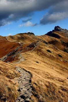 rocky path on the Tatry mountains, Poland Places To Travel, Places To See, Beautiful World, Beautiful Places, Polish Mountains, Tatra Mountains, Reisen In Europa, Destination Voyage, Belle Photo